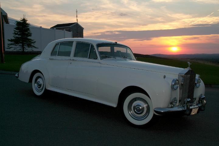 Click to see more images of our vintage 1959 Rolls Royce