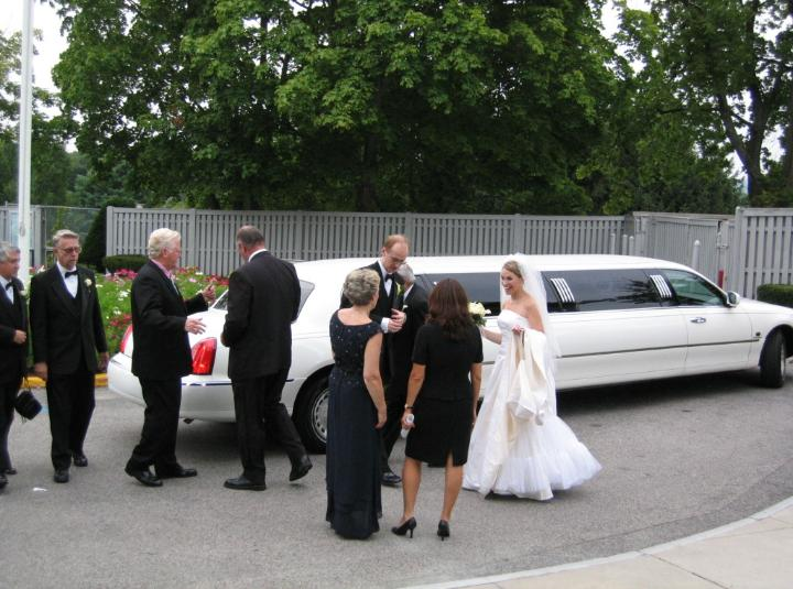 Click for more limo pictures!